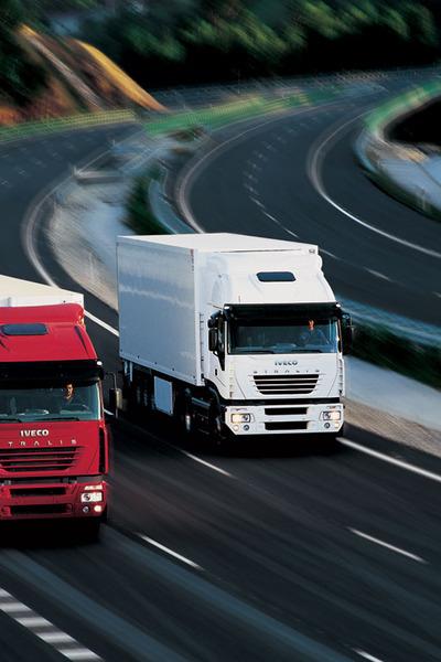 Medium trucks iveco 028